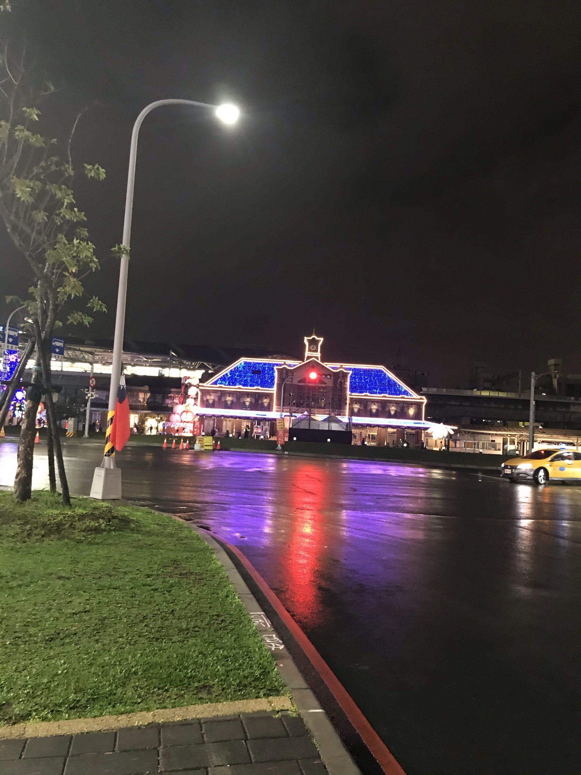 夜の台中駅